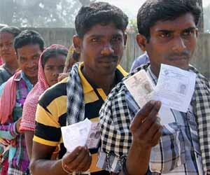 छत्तीसगढ़: नक्सली इलाकों में करीब 70 फीसदी मतदान