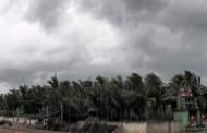 हुदहुद: तबाही की आशंका से सहमे आंध्र, ओडिशा